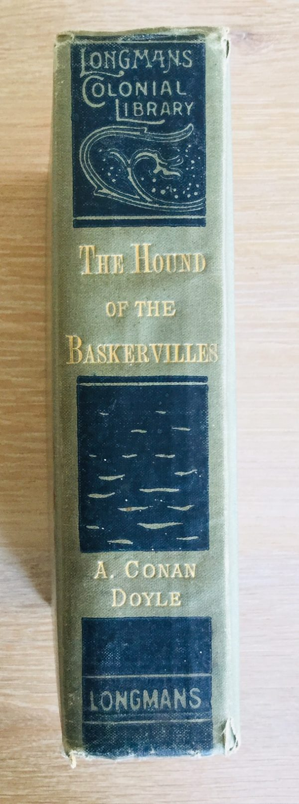 Hound_Baskervilles_First_Colonial_Edition